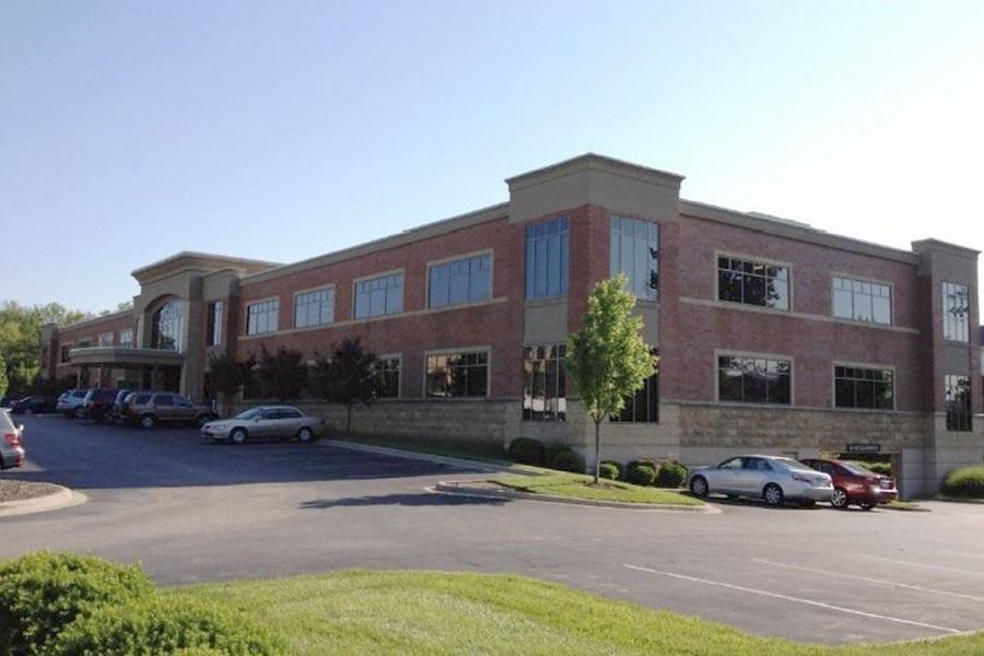 Office building at Kenwood Crossing